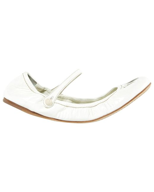 Miu Miu | White Pre-owned Leather Varnish Ballet Flats | Lyst