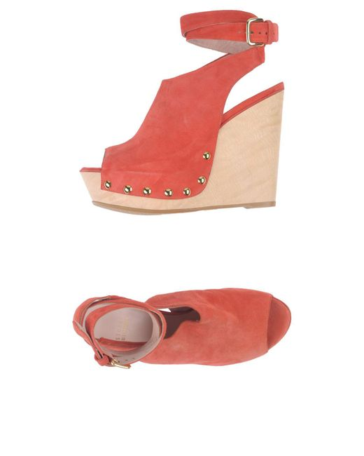 Stuart Weitzman - Red Sandals - Lyst