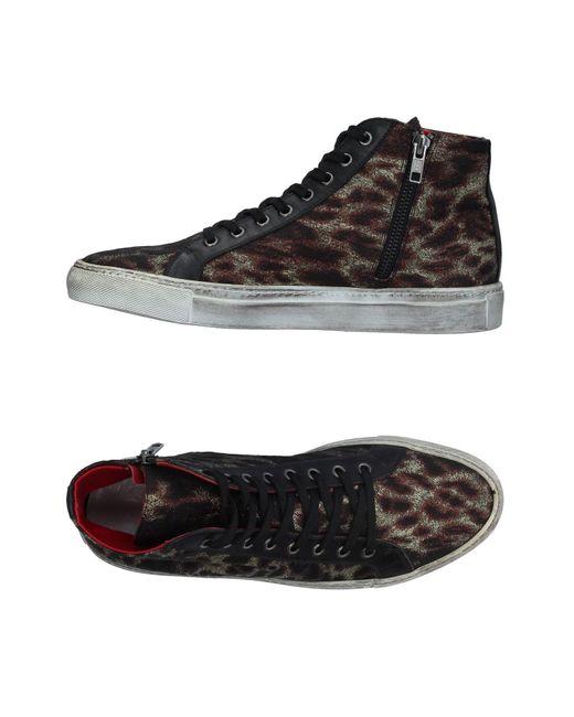 Chaussures - Bas-tops Et Baskets Vie KwAjt5vc