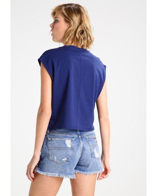 hilfiger denim tommy jeans 90s print t shirt in blue lyst. Black Bedroom Furniture Sets. Home Design Ideas