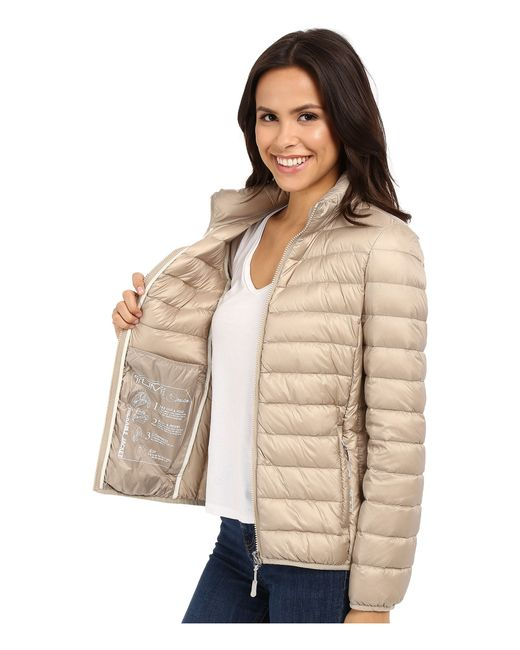 Tumi Clairmont Packable Travel Puffer Jacket In Beige