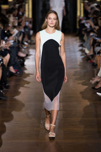 Stella McCartney Runway Designs-Look 4