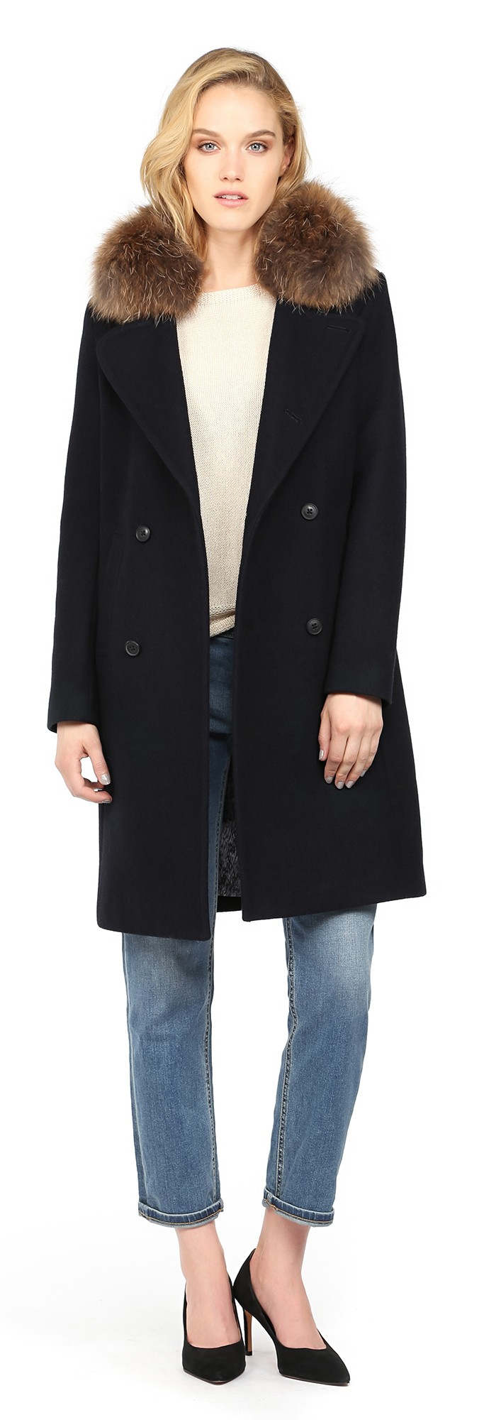 Old Navy coats feature the timeless classics and trendy styles you'll love. Everyone in the family can wrap up in a new coat at an affordable price. We feature hooded winter coats, wool-blend coats, denim coats, trench coats and more.