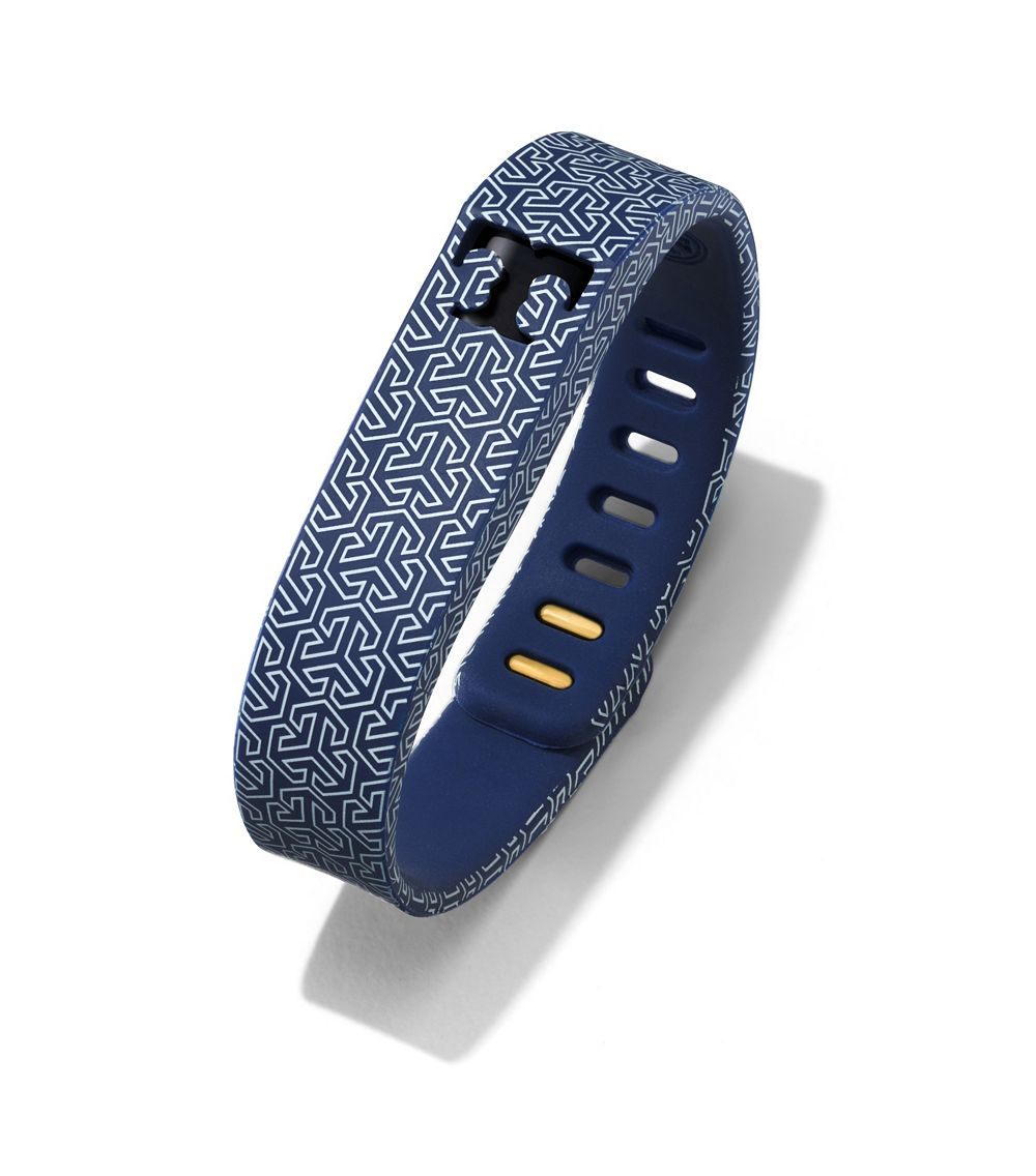 tory burch for fitbit silicone printed bracelet in blue tory navy multi shiny brass lyst. Black Bedroom Furniture Sets. Home Design Ideas