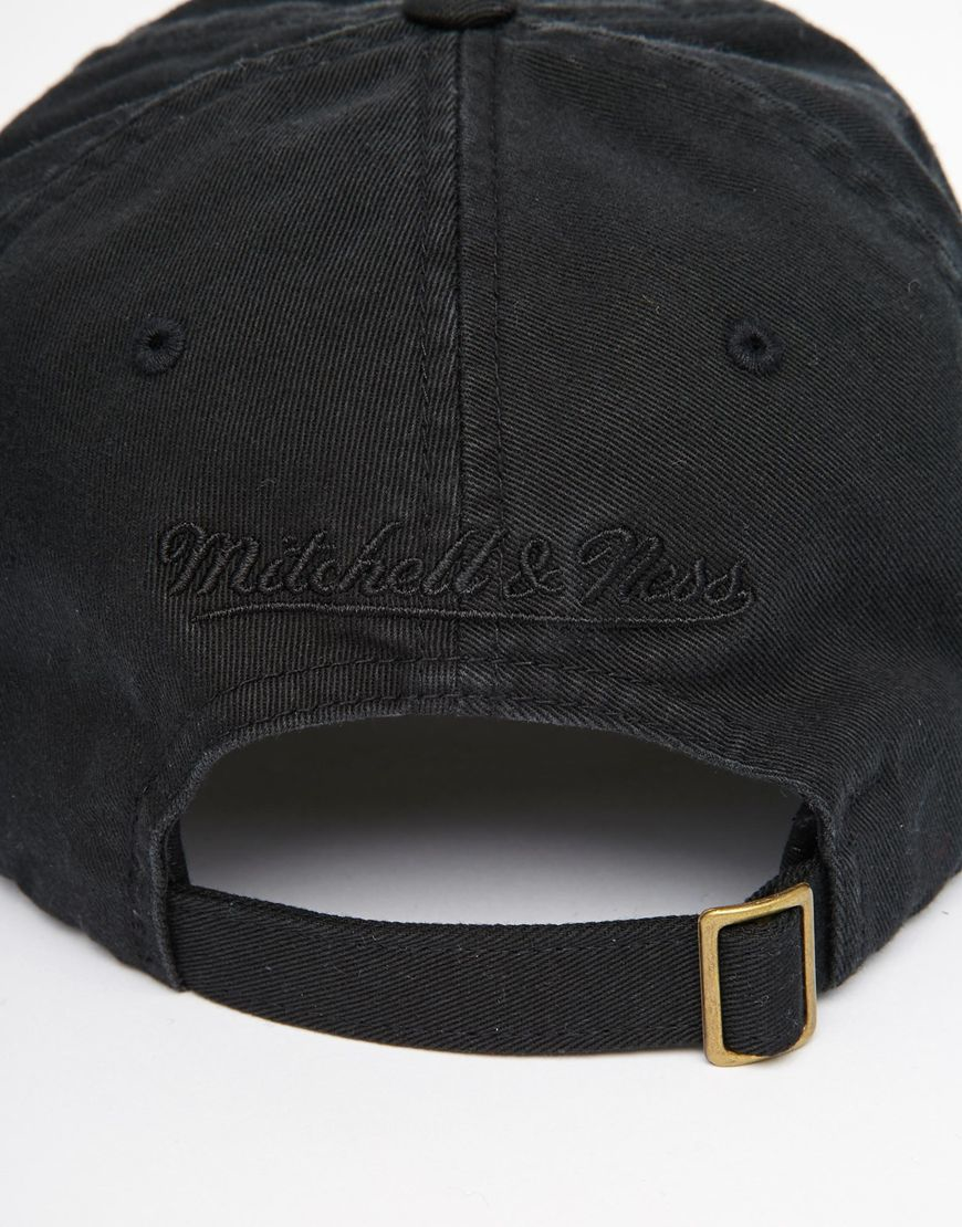 Lyst - Mitchell   Ness Chukker Strapback Cap in Black for Men 93ff3669442