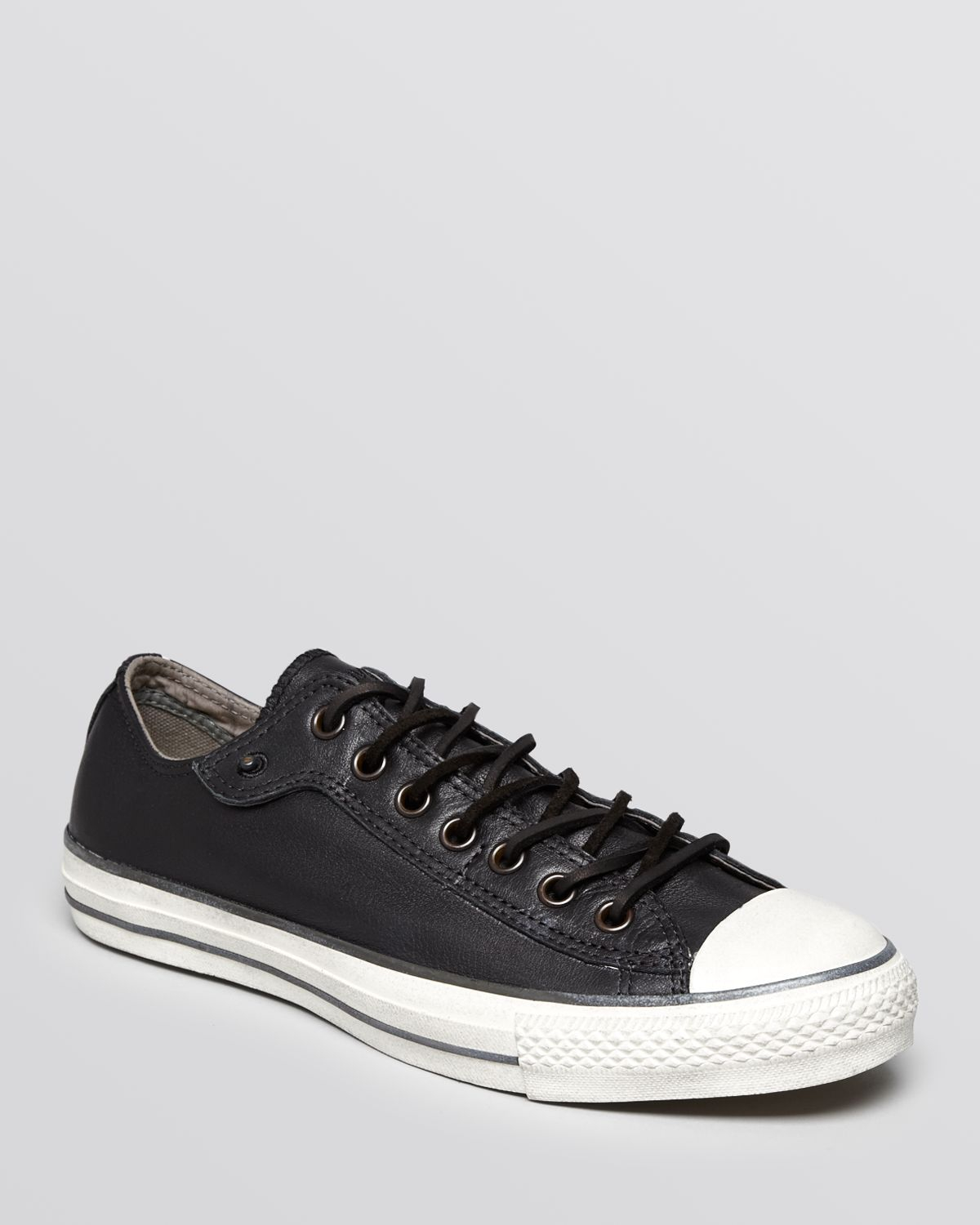 converse chuck taylor all star low top sneakers in black. Black Bedroom Furniture Sets. Home Design Ideas