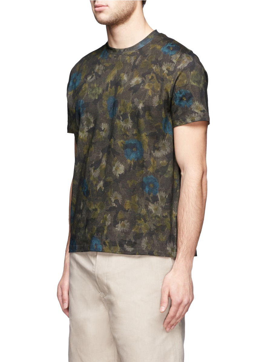 Lyst valentino floral camouflage print t shirt in green for Camo print t shirt