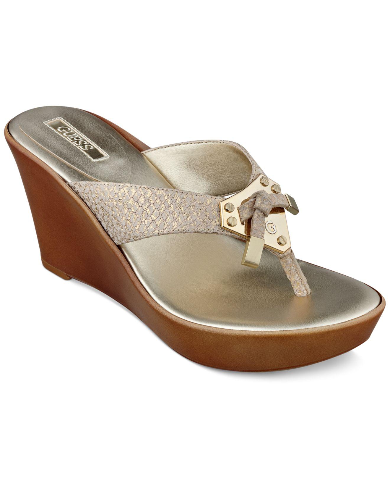 Guess Xandie Platform Wedge Thong Sandals In Metallic Lyst