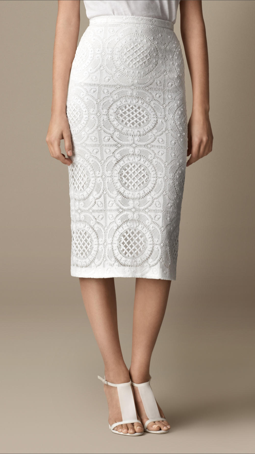 Burberry Lace Pencil Skirt in White | Lyst