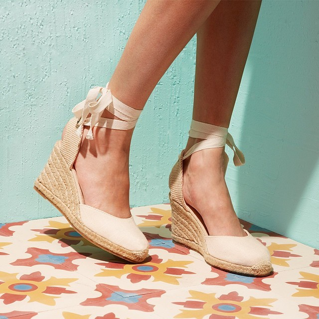 9cb2331e6d7 Lyst - Soludos Tall Wedge in Natural