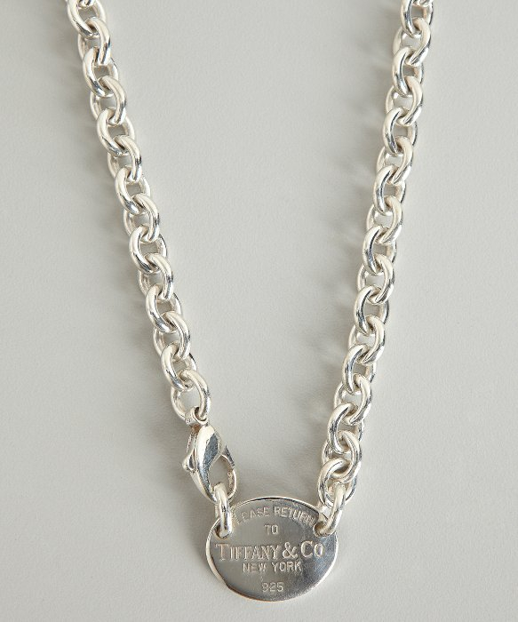 b3e4d5cb0 Tiffany & Co. Preowned Silver Return To Tiffany Oval Tag Necklace in ...