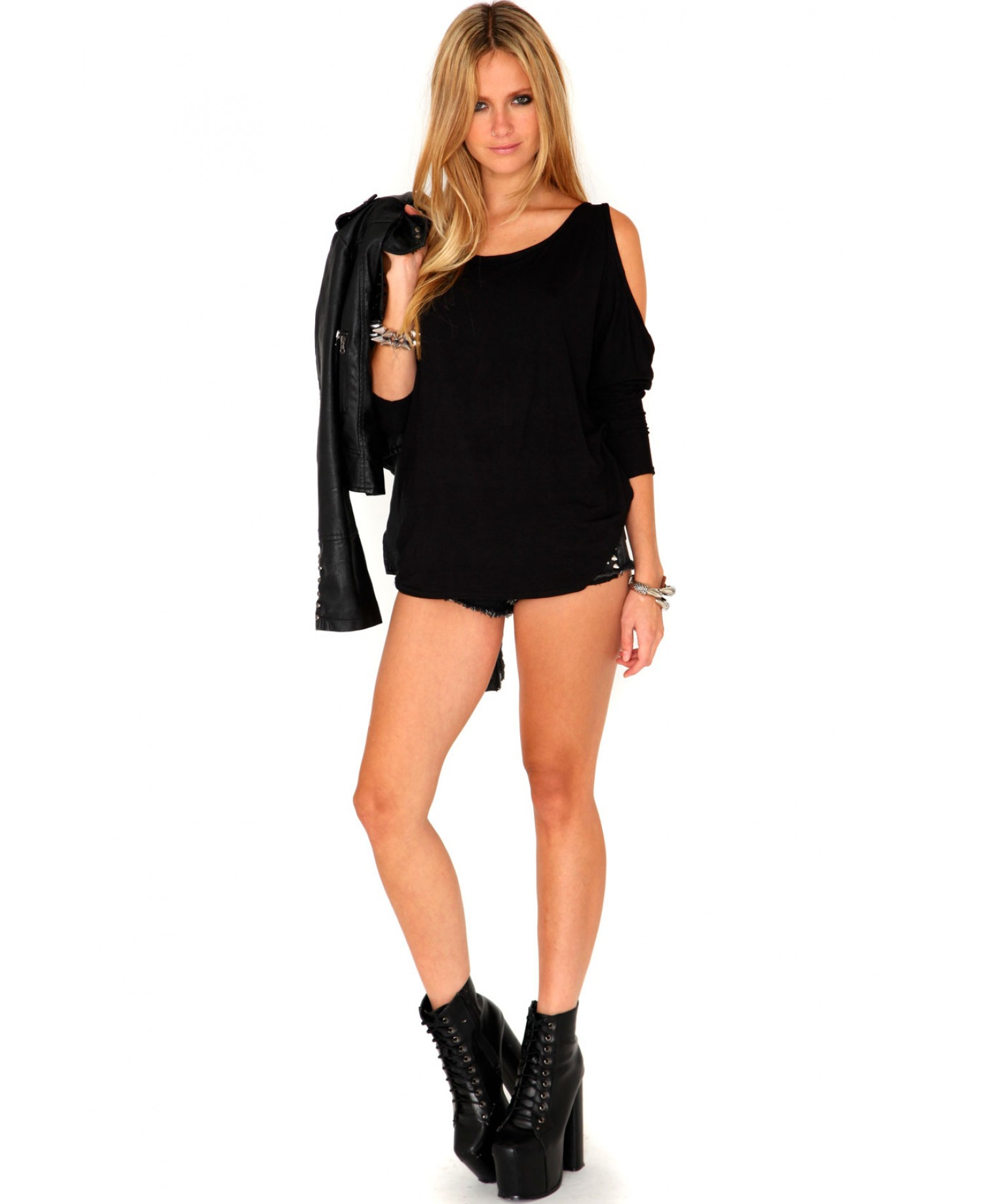 0ad34f3a12b464 Lyst - Missguided Laile Cut Out Shoulder Top in Black in Black