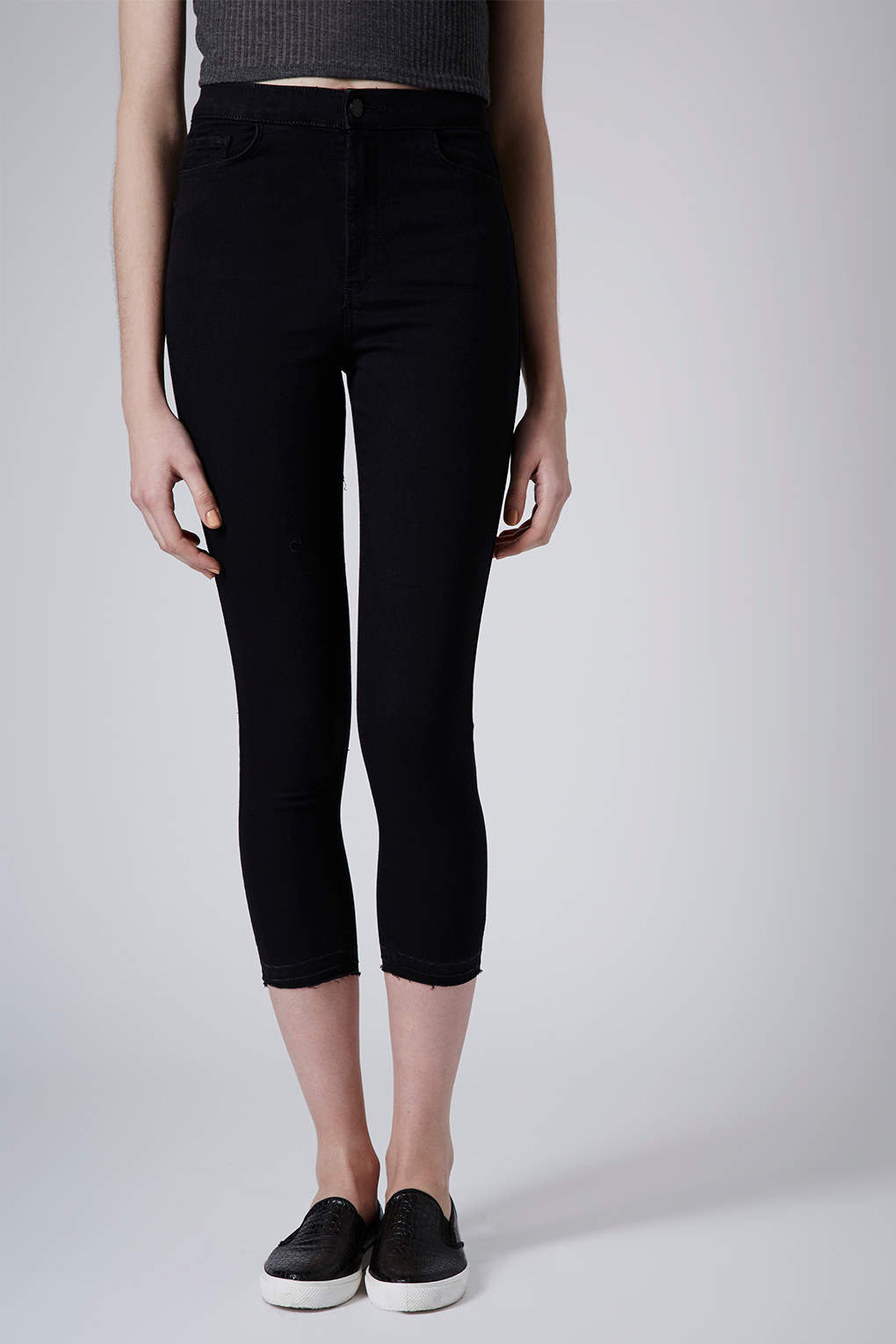 Topshop Moto Black Cropped Joni Jeans in Black | Lyst