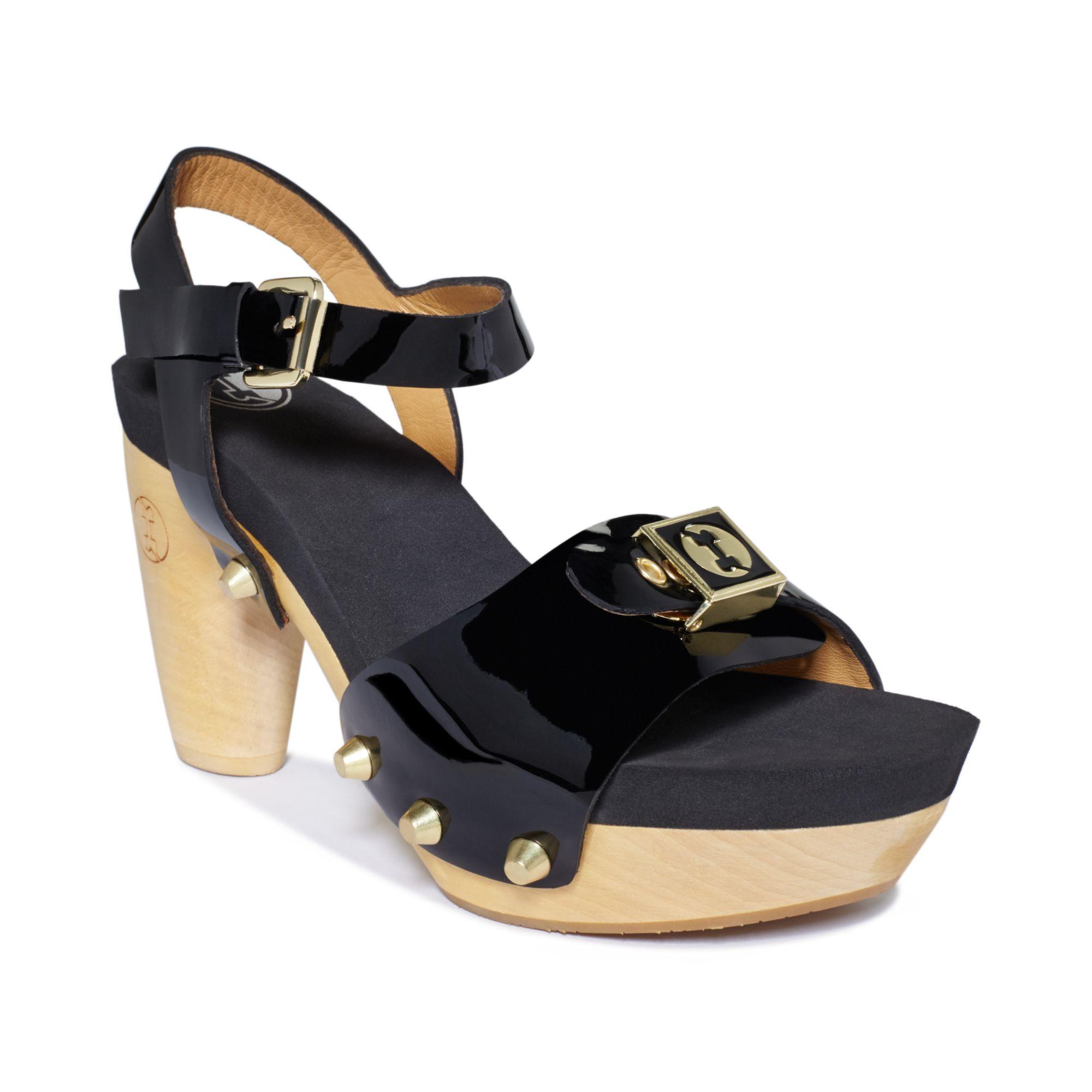 flogg fantastic platform sandals in black black patent