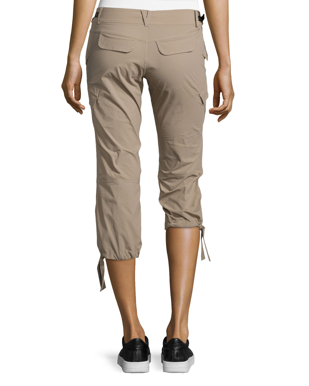 Anatomie Low-Rise Cargo Capri Pants in Natural | Lyst