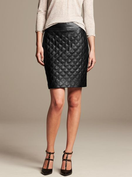 banana republic quilted faux leather pencil skirt in black