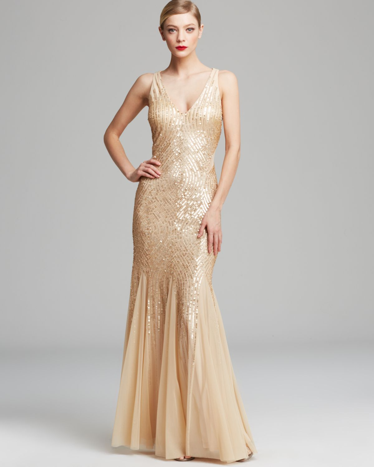 Adrianna Papell Gown Sleeveless V Neck Beaded With