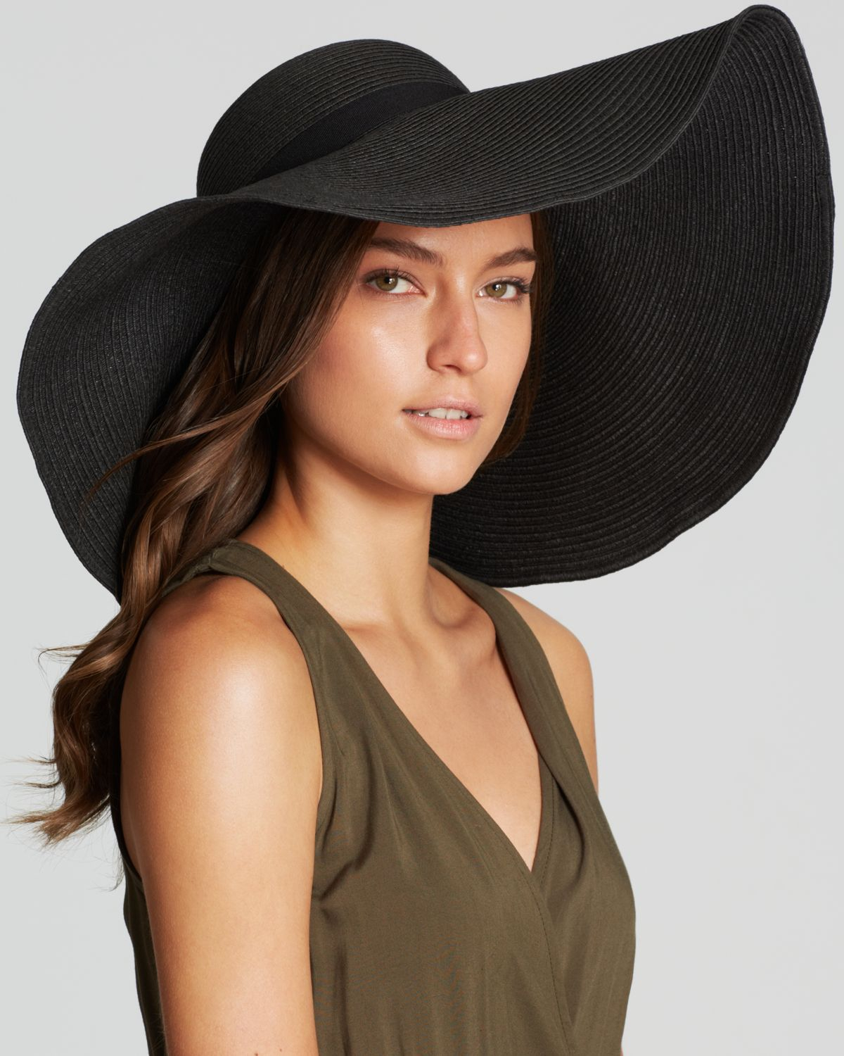 39fe412a2a5 August Accessories Oversized Floppy Hat in Black - Lyst