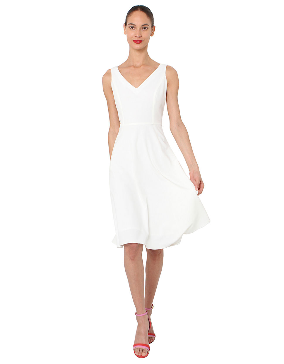 Isaac Mizrahi New York V Neck Fit And Flare Dress In White