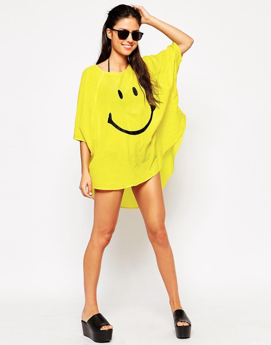 481c38fe72 Moschino Happy Oversized Beach T-shirt Dress in Yellow - Lyst