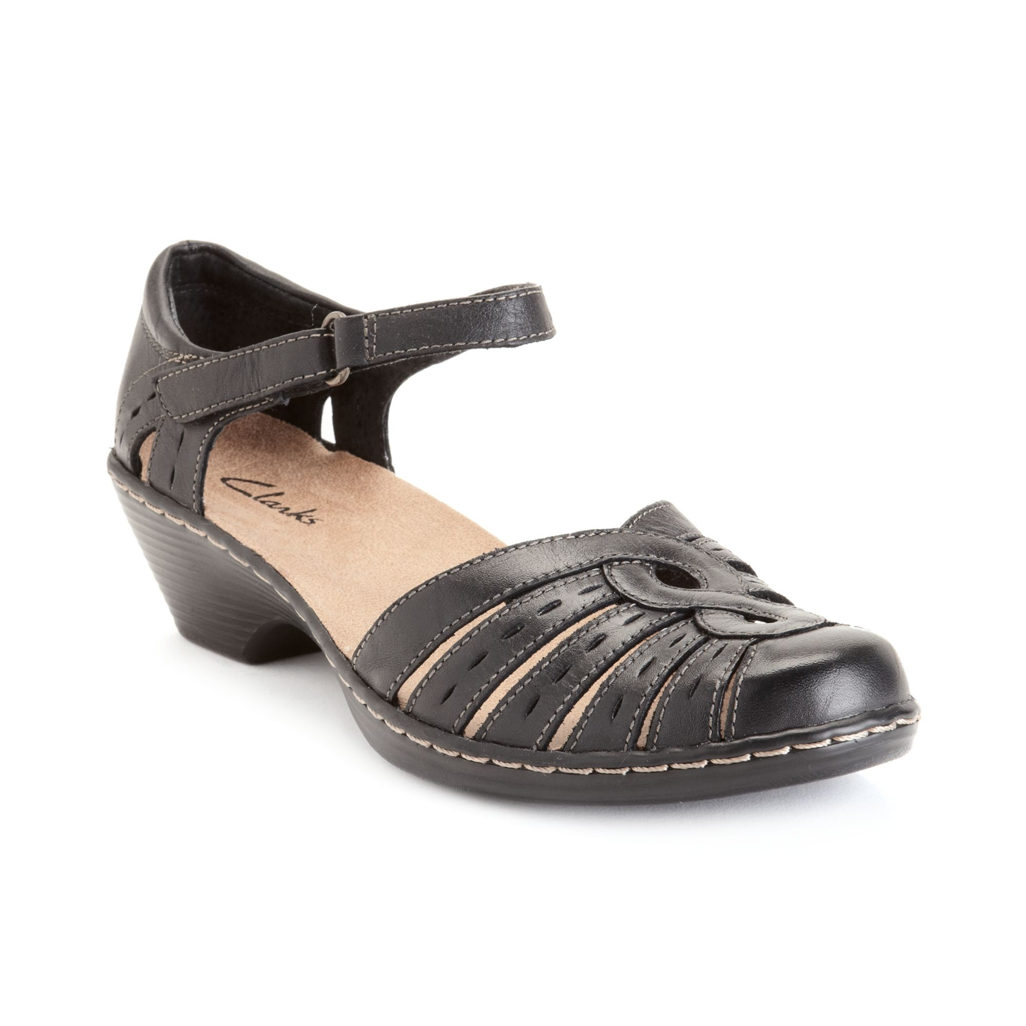 No matter the occasion or ensemble, these Raissa sandals are always a fashionable choice. From Nine West.