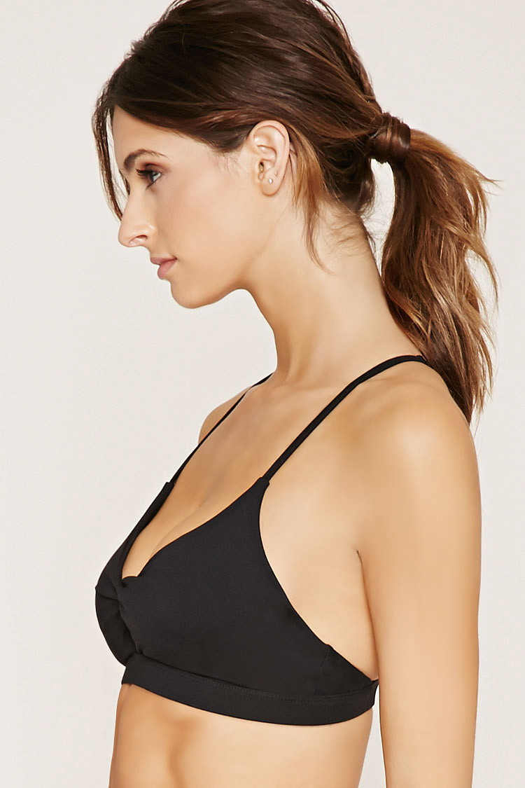 e784326ad9941 Lyst - Forever 21 Low Impact - Keyhole Sports Bra in Black
