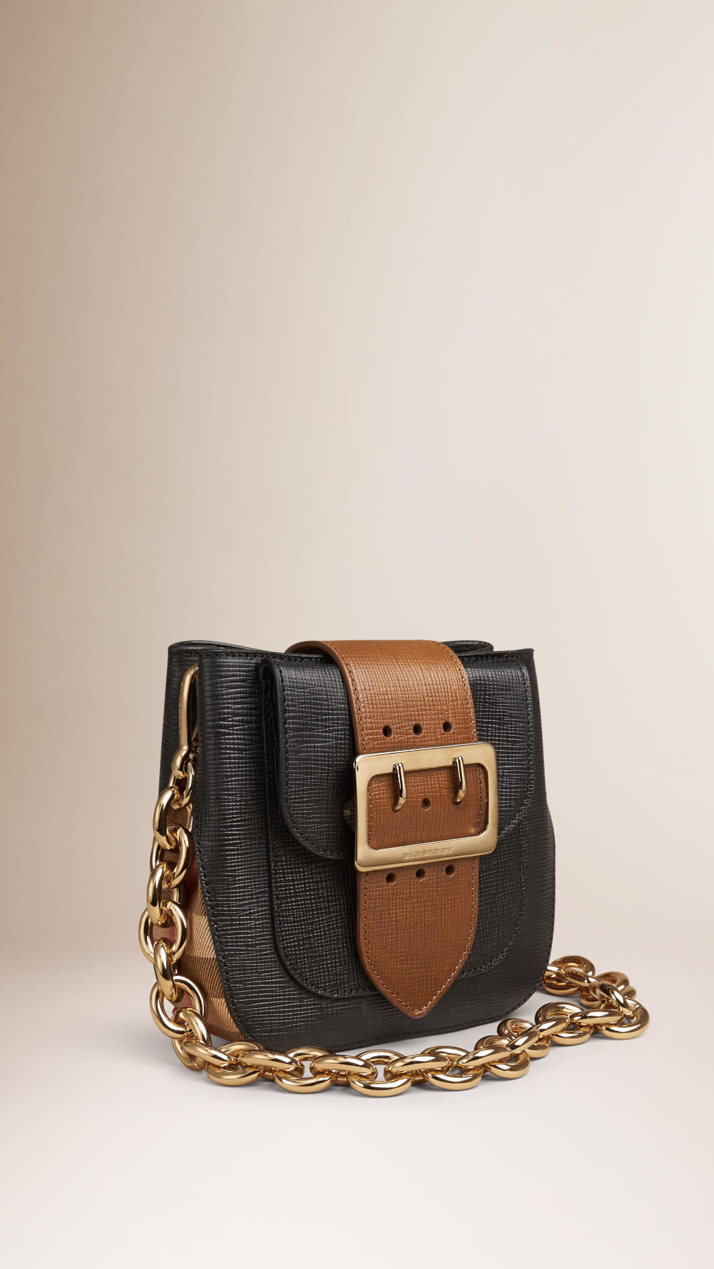 burberry the small belt bag square in leather and house