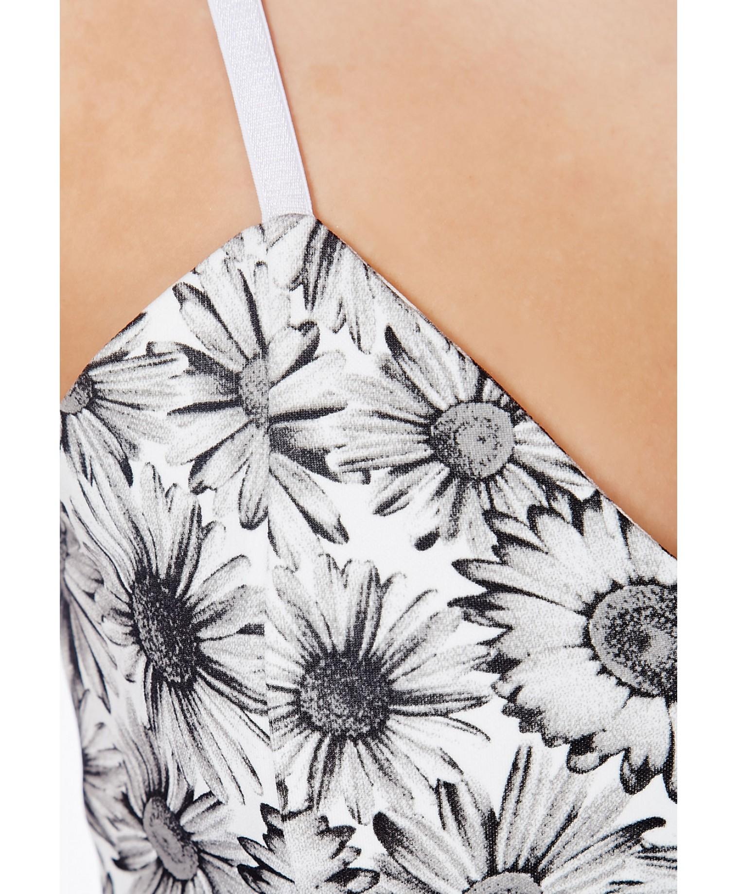 3b2819e0d3 Lyst - Missguided Arisa Black Skater Dress In Daisy Print in Black
