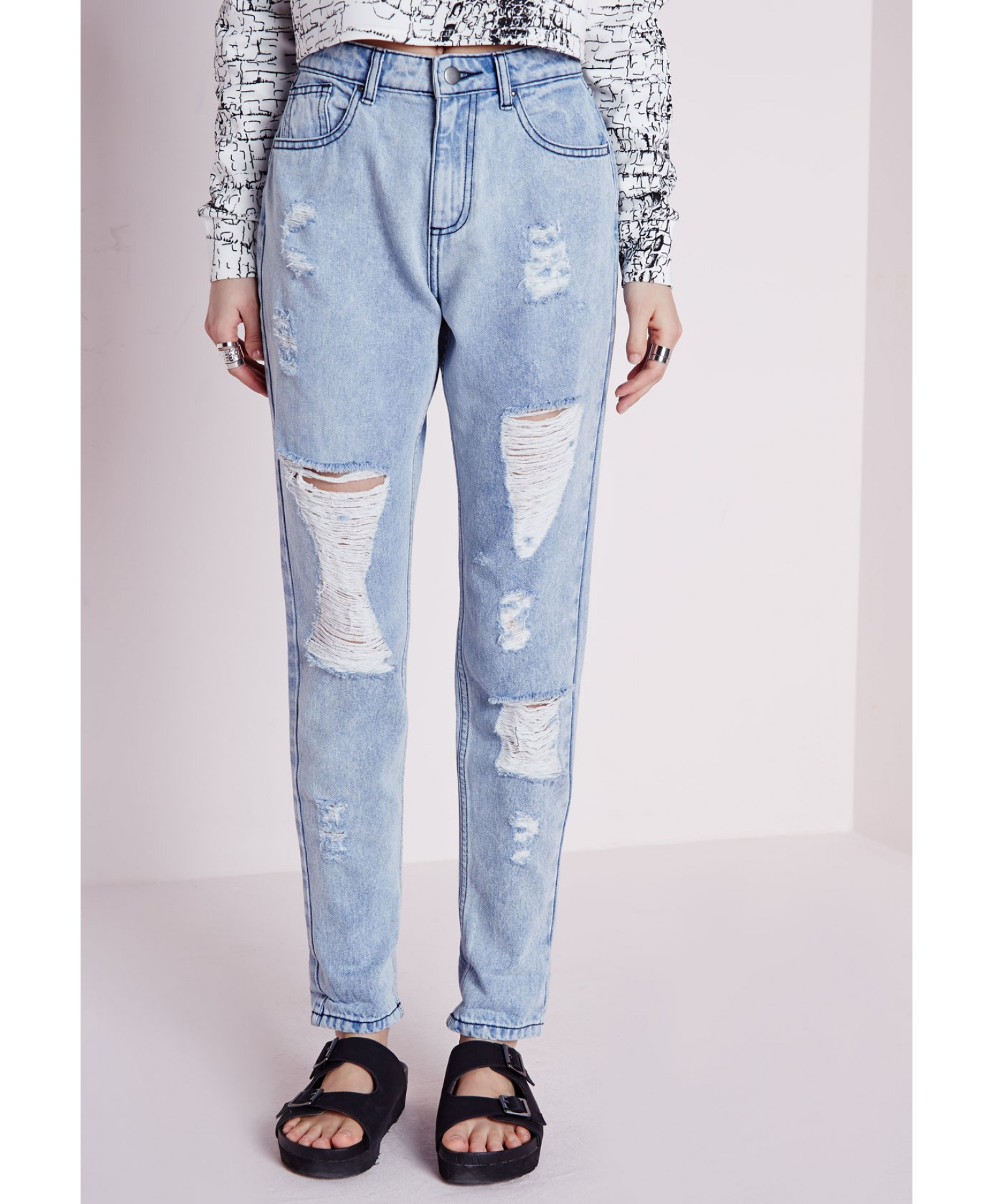 lyst missguided slim fit extreme rip mom jeans bleached. Black Bedroom Furniture Sets. Home Design Ideas