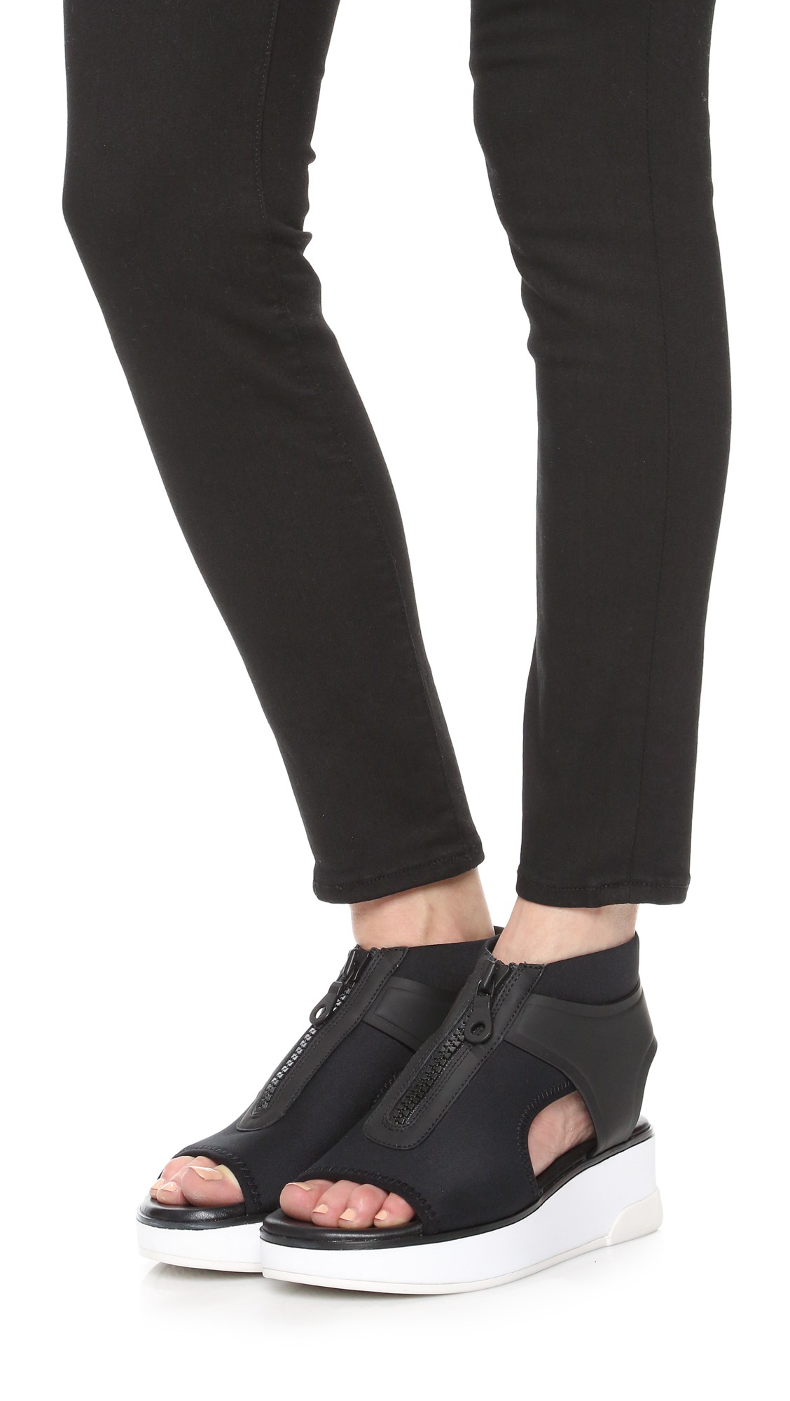 Lyst Dkny Suki Sandals In Black