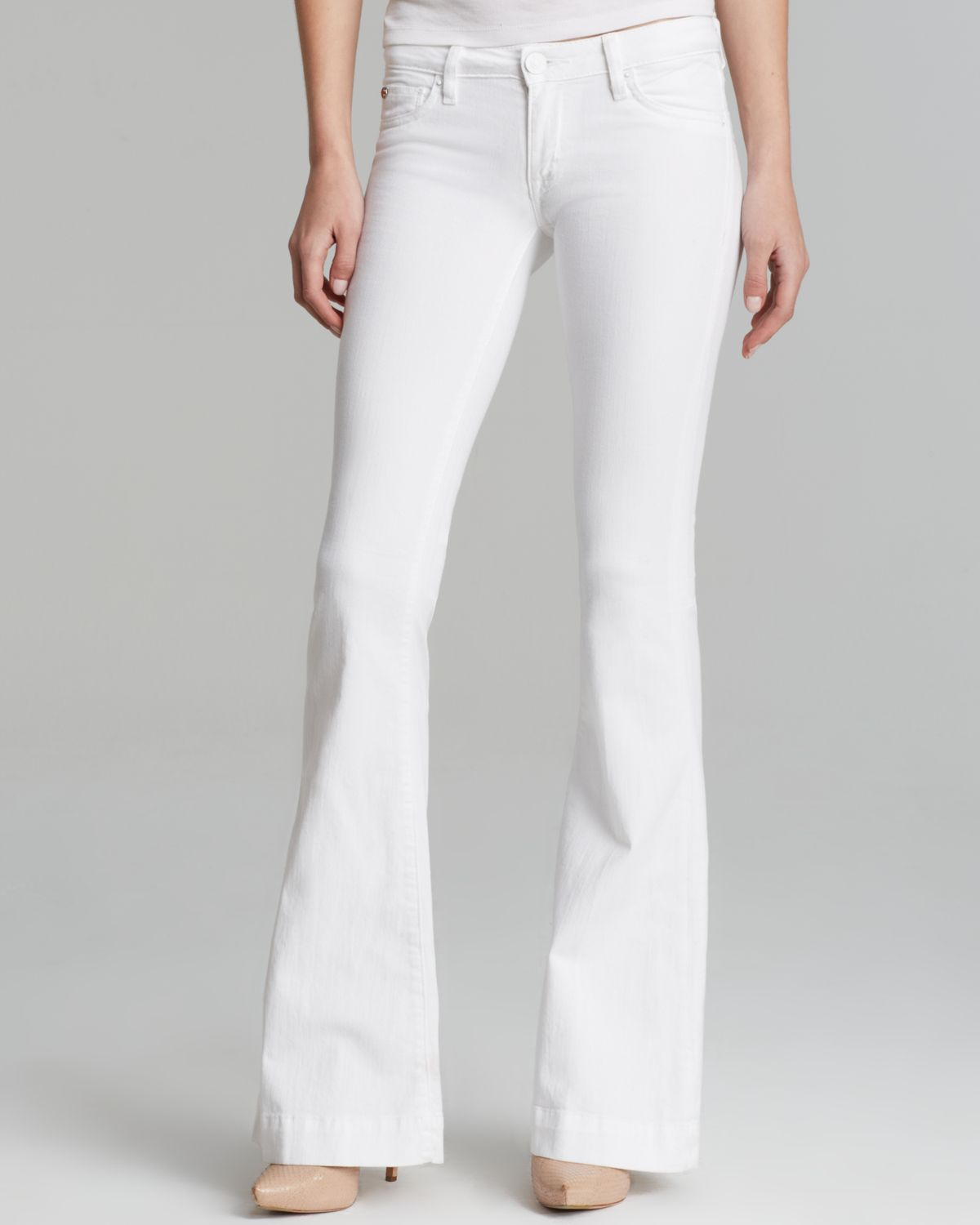Find a great selection of flare and wide leg jeans for women at 0549sahibi.tk Shop by rise, wash, waist size, color and more. Free shipping & returns.