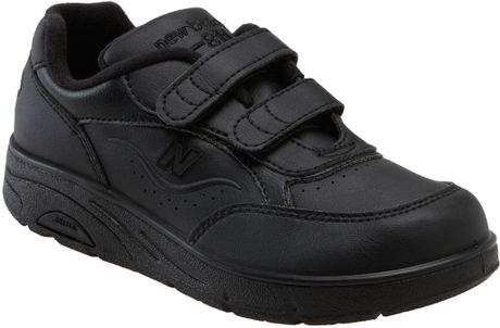 New Balance W811 Velcro Walking Shoe (women) in Black - Lyst