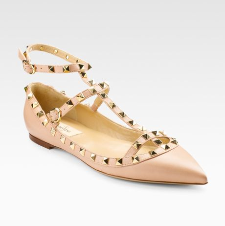 Valentino Studded Flat Sandals in Pink | Lyst