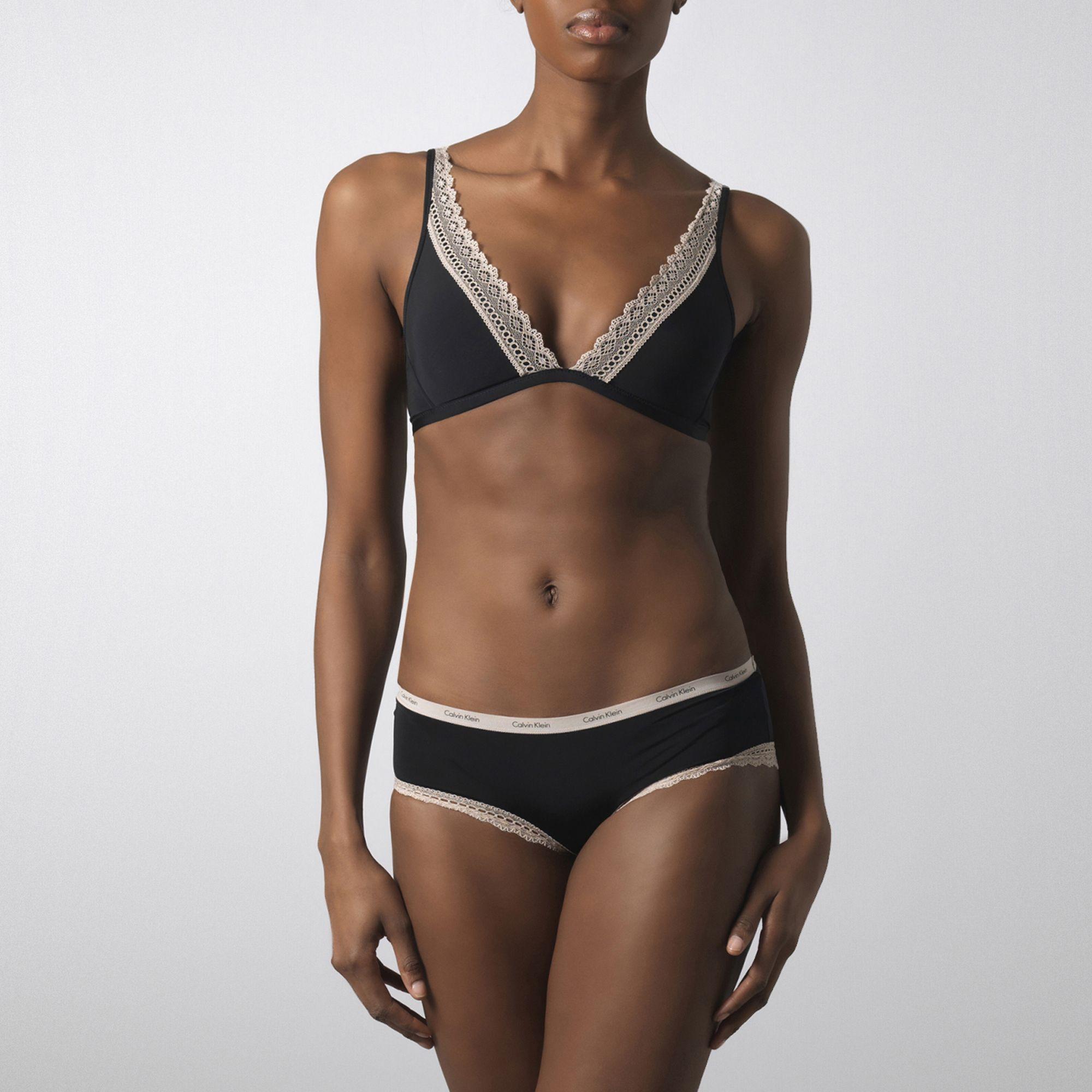 854dd0cc3b0d5 Calvin Klein Perfect Fit Flirty Wireless Contour Bra in Black - Lyst