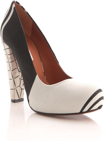 Carven Striped Platform Pumps in Black - Lyst