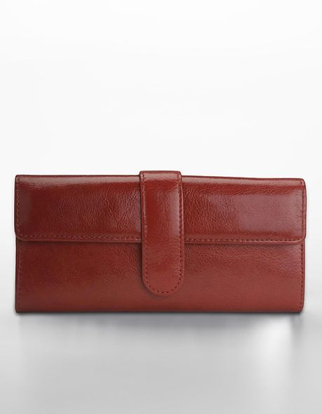 Hobo International Clio Flap-over Leather Wallet in Red