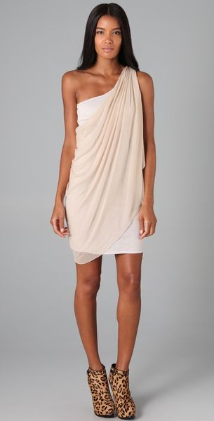 Alice + Olivia Draped One Shoulder Dress in White (nude)