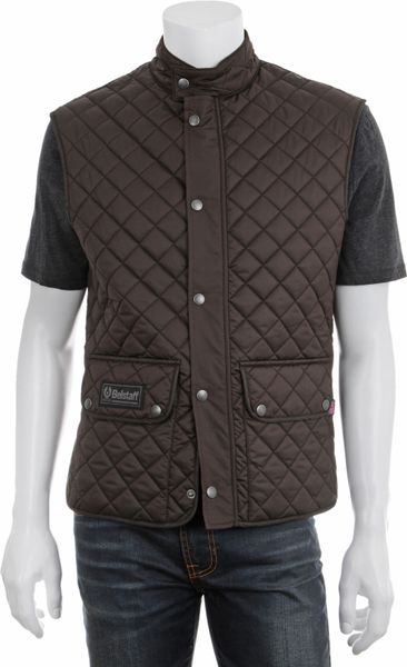 Two patch pockets & hand warmer pockets Storm flap with conrast colour Full length frontal zip Adjustable cord in the hem Zip breast pockets Inner phone pocket Inner zip pocket & button pocket. .