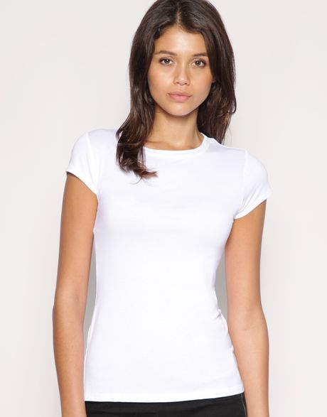 Asos Collection Asos Viscose Tshirt with Crew Neck in White - Lyst