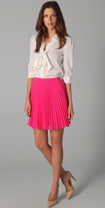 Halston Short Pleated Skirt in Pink | Lyst