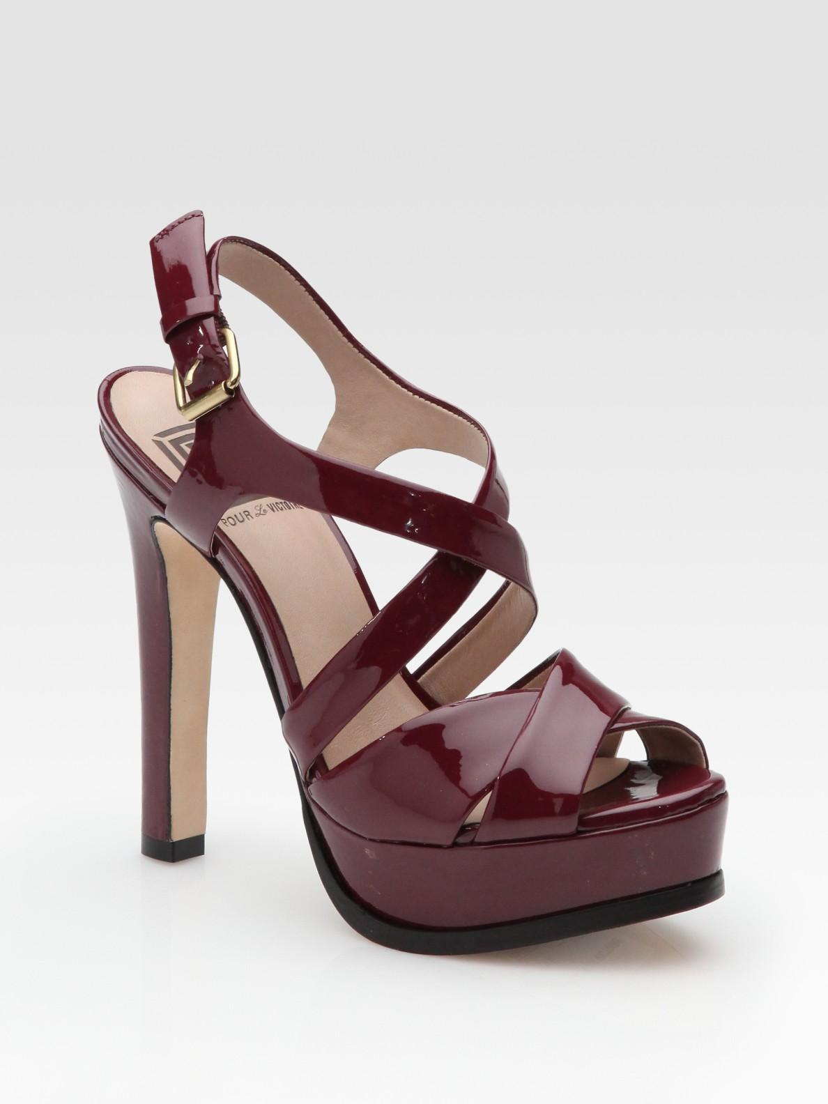 pour la victoire hiro patent leather platform sandals in