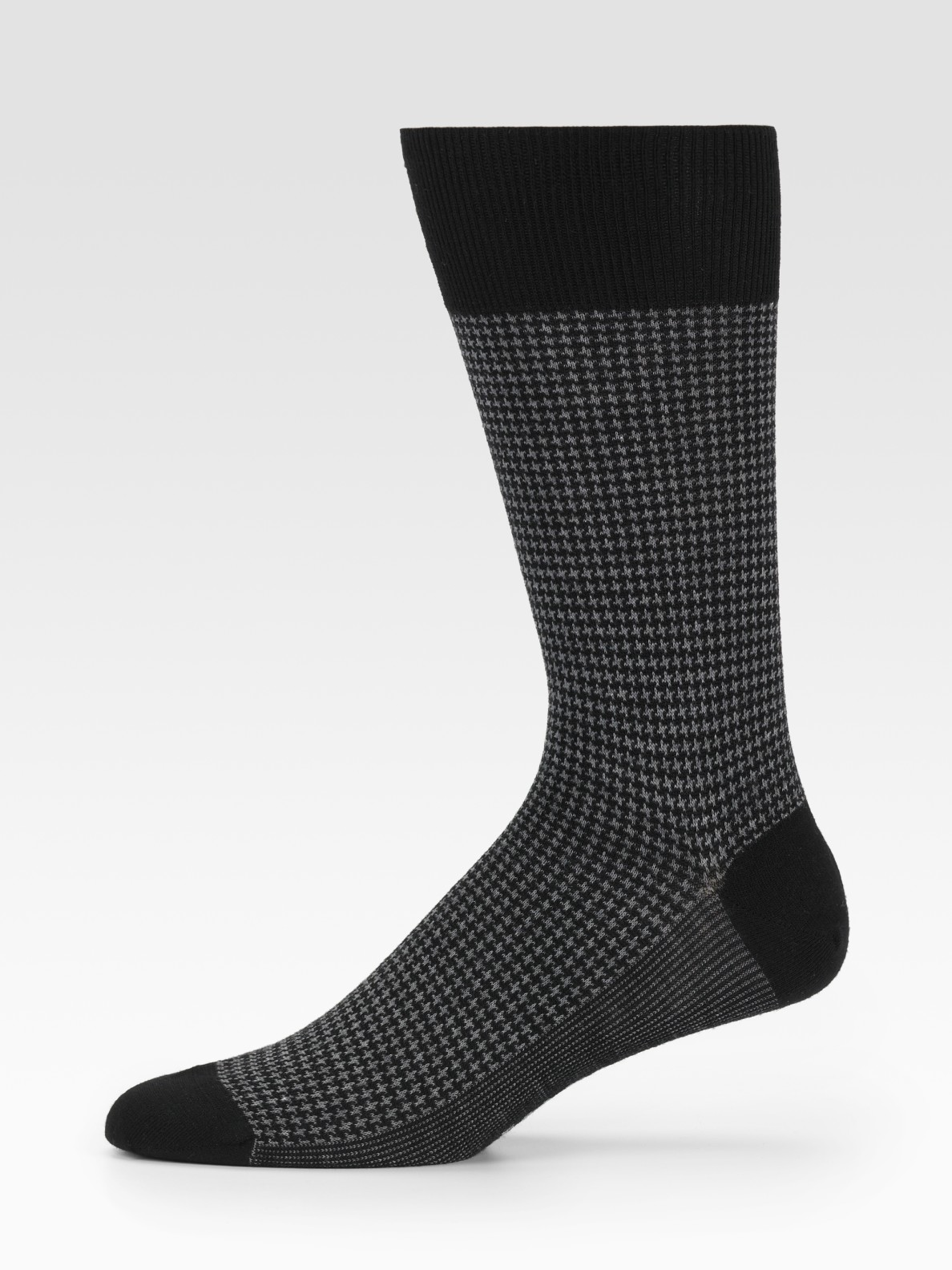 Shop a variety of adidas mens socks. Crew, low cut and compression socks available at the adidas online store.