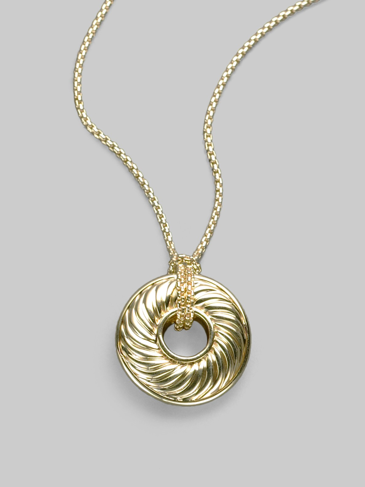 david yurman 18k yellow gold cable disc necklace in gold. Black Bedroom Furniture Sets. Home Design Ideas