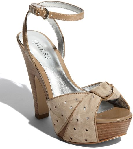 Guess Kaylinay Sandal in Beige (taupe multi) - Lyst