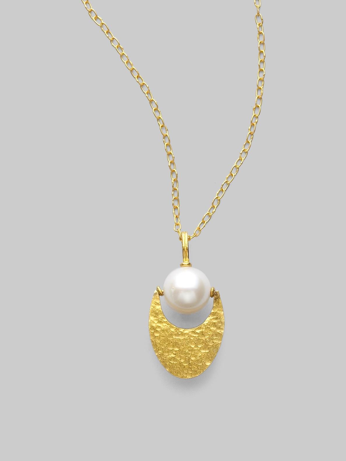 gurhan pearl 24k gold crescent pendant necklace in gold. Black Bedroom Furniture Sets. Home Design Ideas