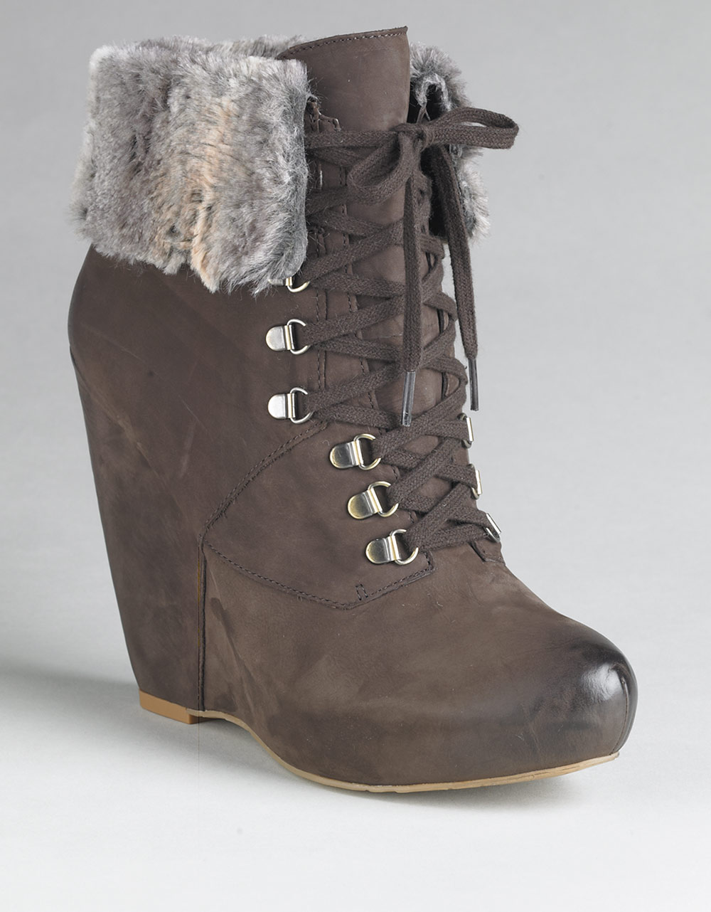 boutique 9 daphnea leather wedge ankle boots in brown