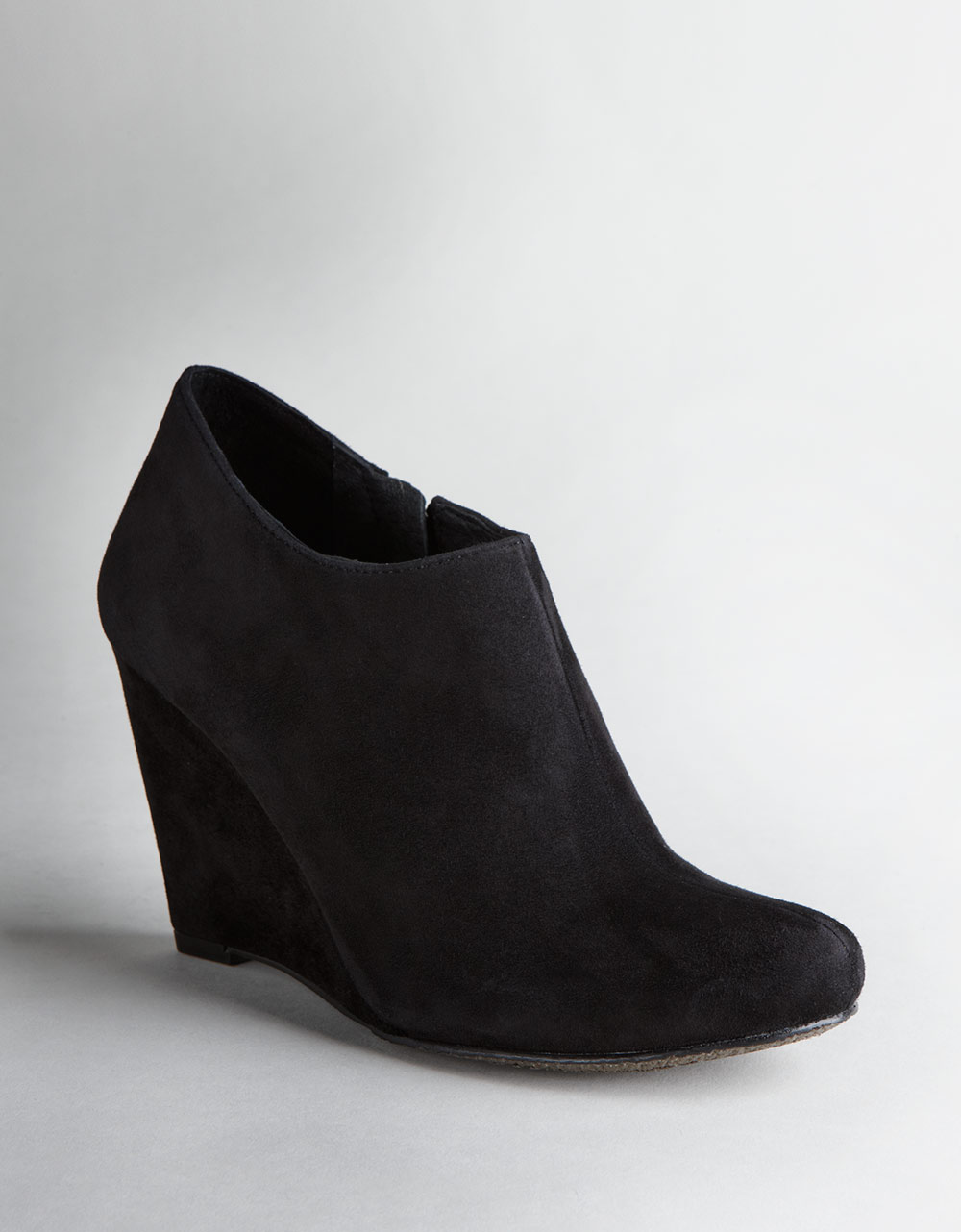 vince camuto dollys suede wedge ankle boots in black