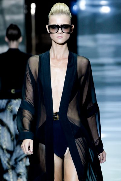 Gucci Spring 2012 Black Oversized Sunglasses in Black - Lyst