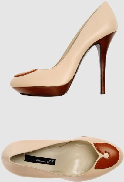 Gianfranco Ferré Gianfranco Ferre  Platform Pumps in White - Lyst