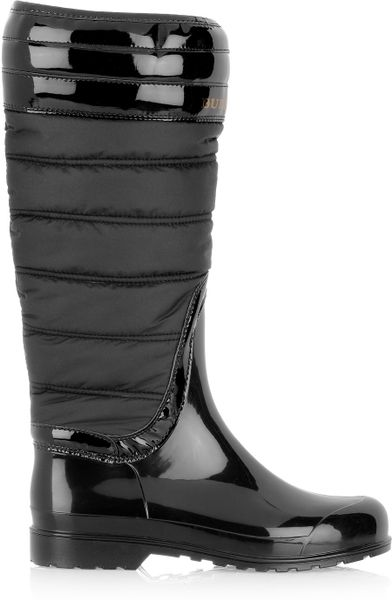 Burberry Quilted Patent Rubber Wellington Boots In Black